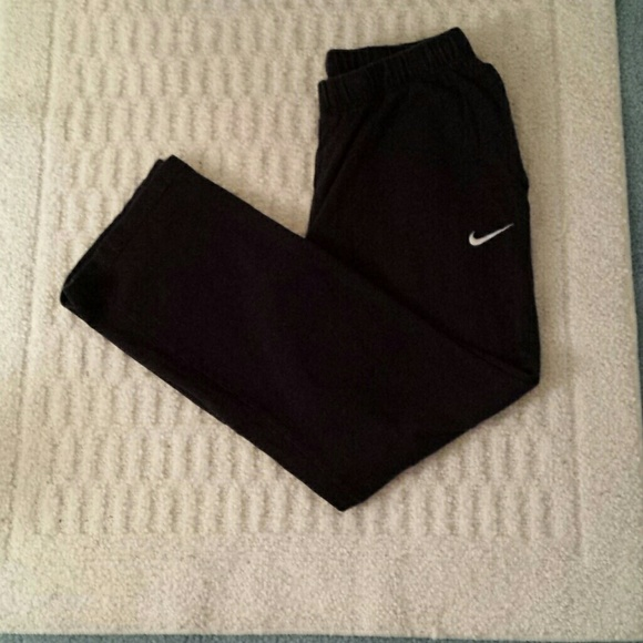 9a263010a16e Nike Men s black cotton pants. M 5a90c66c6bf5a62fe468f598